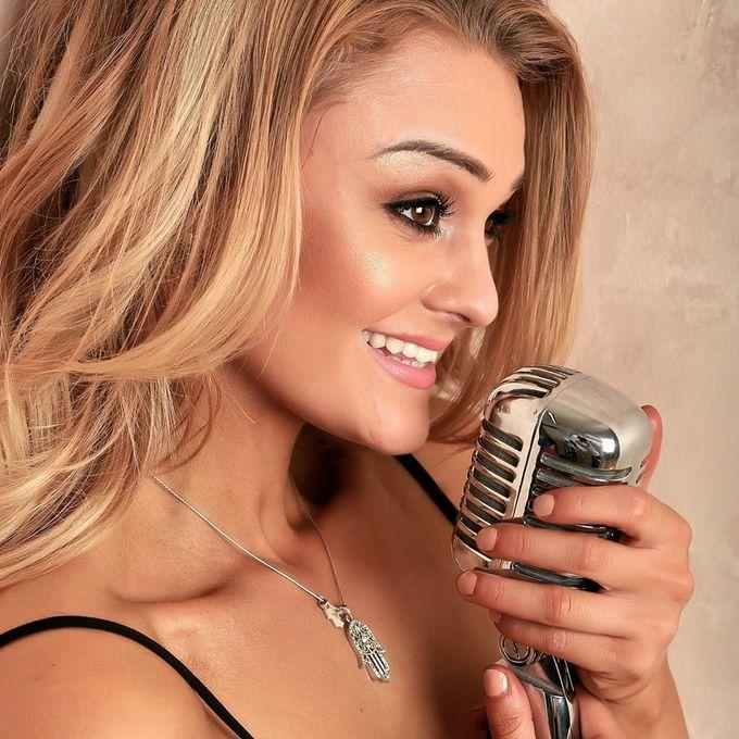 Singers & Vocalists