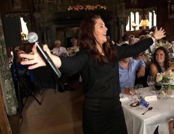 female-surprise-singing-waiter