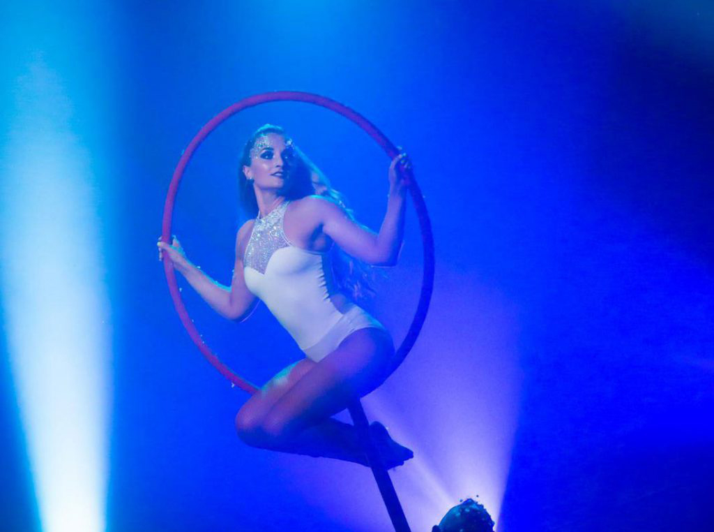 Lollipop Aerialist for hire